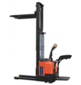 Warrior Self Propelled Heavy Duty Pallet Stacker